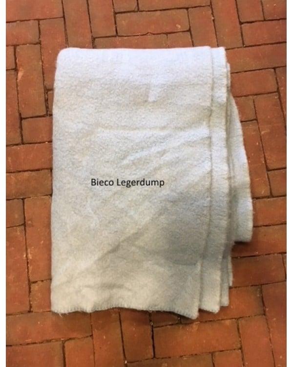 Img Wollen Deken Bieco 600x750 1