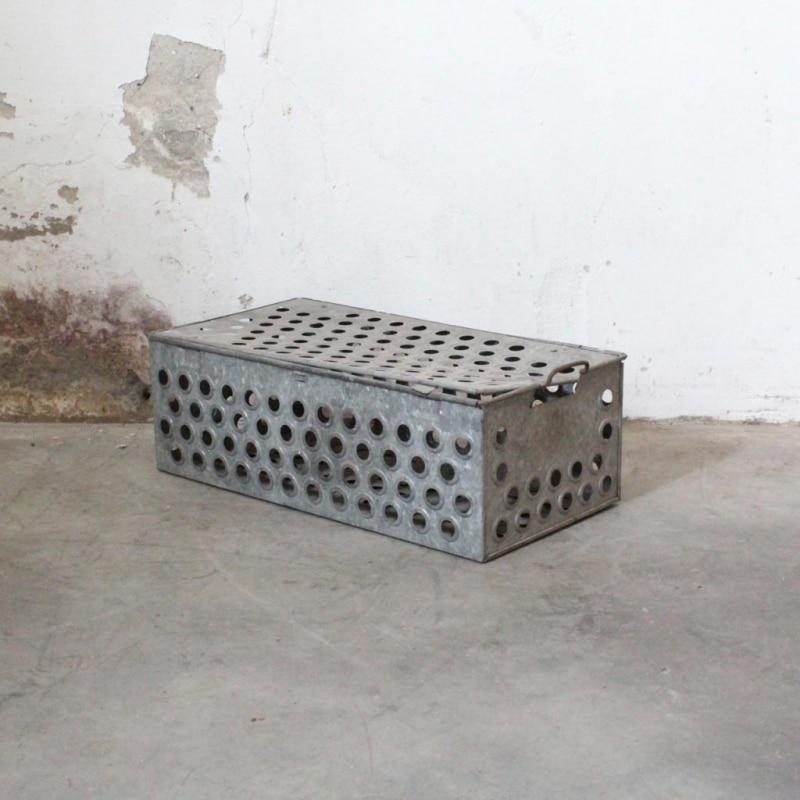 1513929108 Metalen Duivenkooi