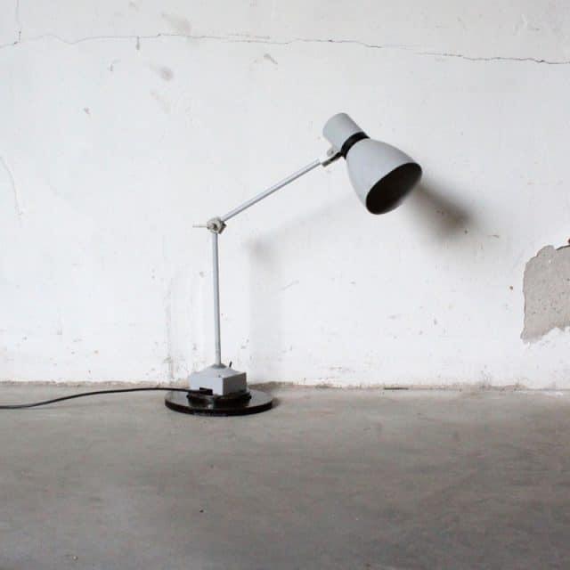 1519722668 Bureau Lamp3