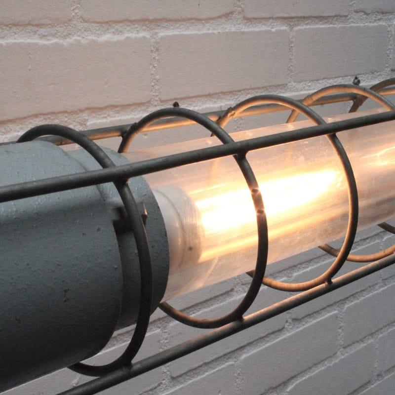 1531554193 01 Lamp 04