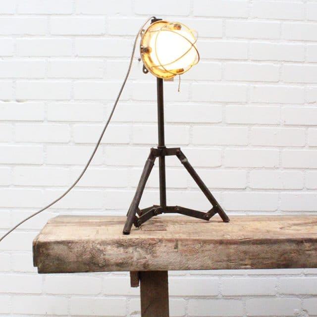 1532072891 29 Tafellamp 01