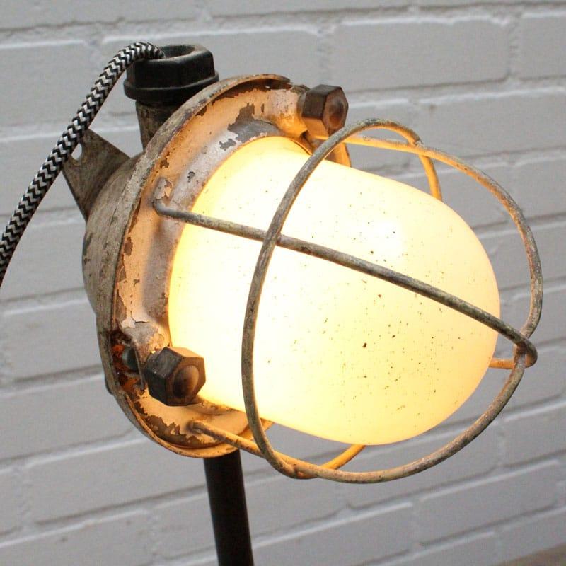 1532072891 29 Tafellamp 02
