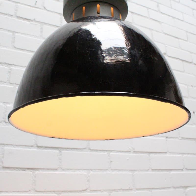 1536240433 Zwarte Lamp 03