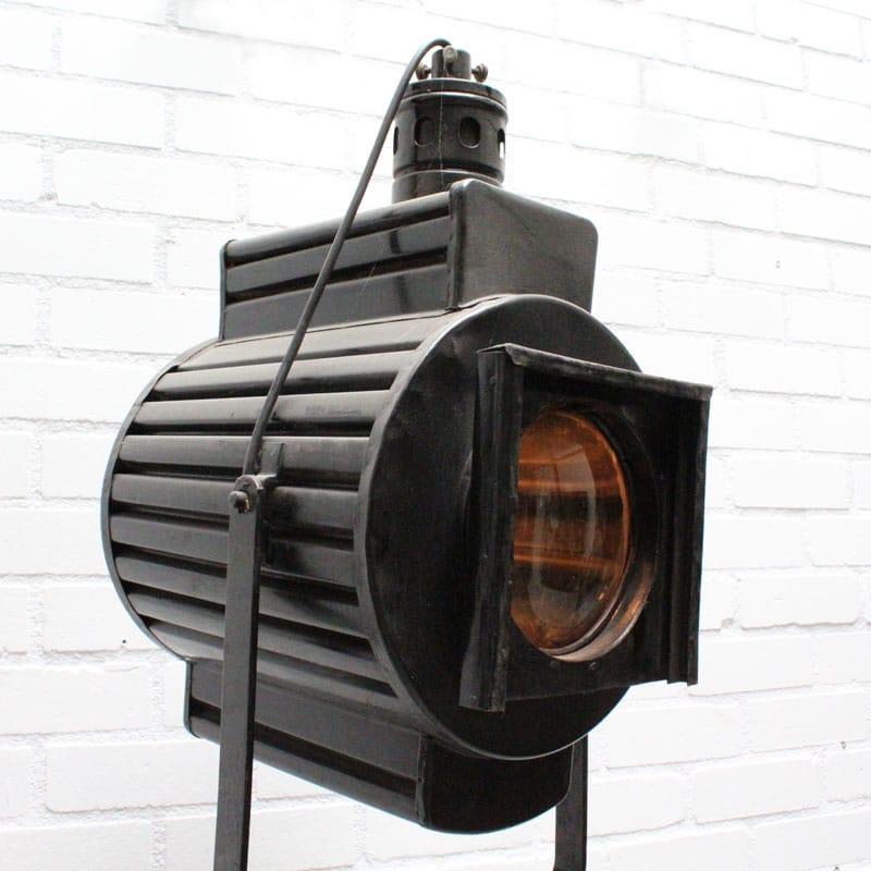 1536741888 13 Staande Lamp 01