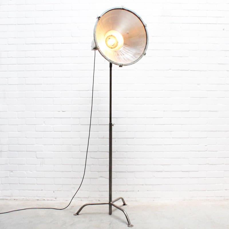 1536742651 15 Staande Lamp 04