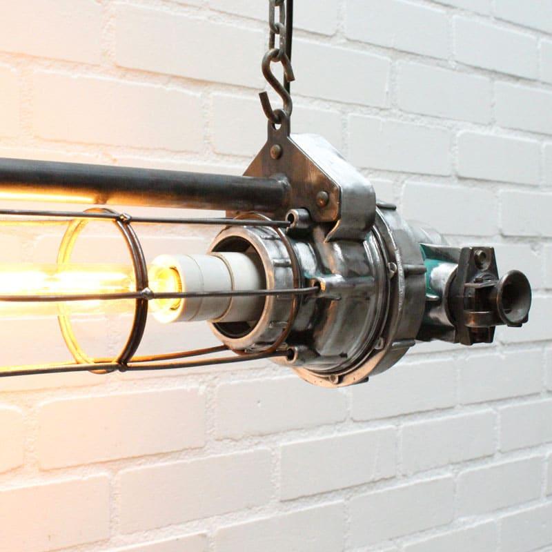 1538647544 26 Tube Lamp 03