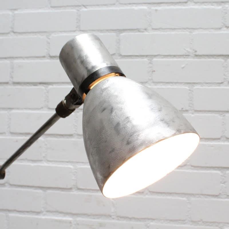 1538732749 04 Bureaulamp 01