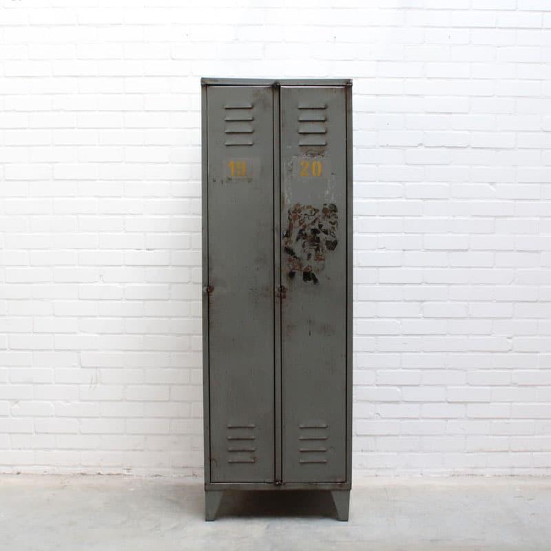 1540378578 11 Locker 01