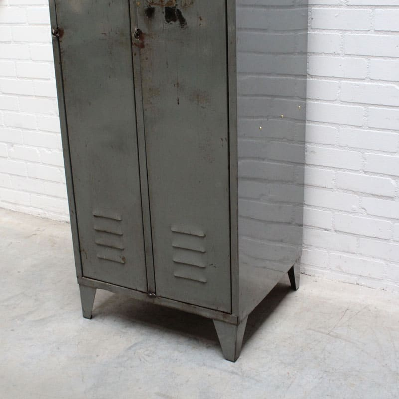 1540378578 11 Locker 03