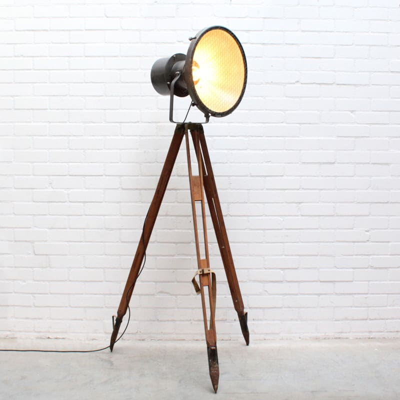 1541256454 27 Vloerlamp 01