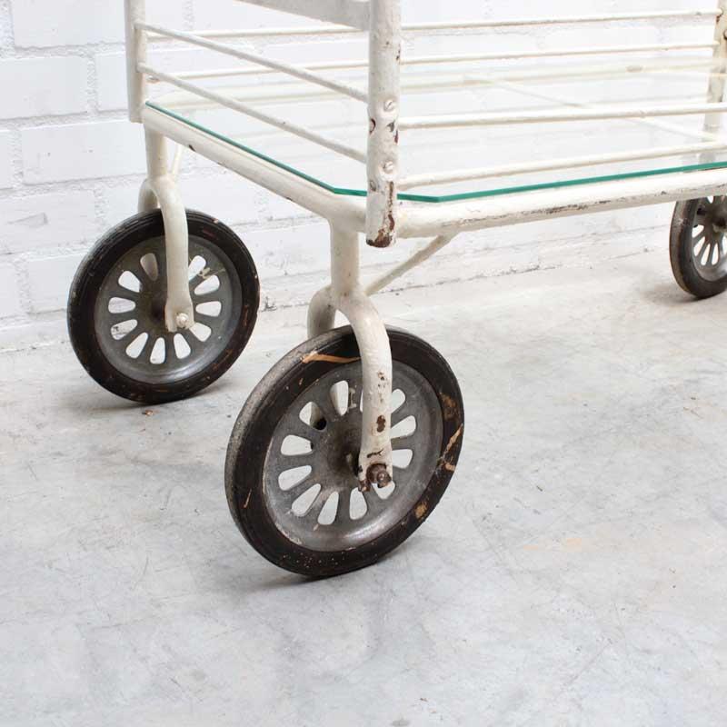 1569480781 24 Glazen Trolley 07