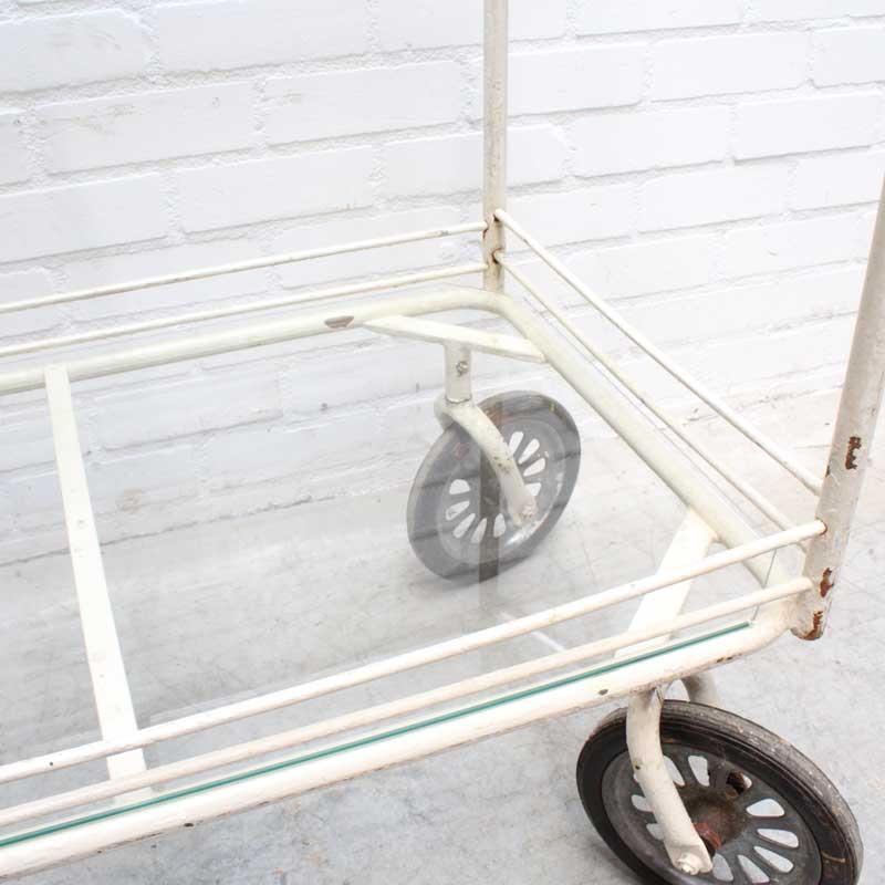 1569480781 24 Glazen Trolley 08