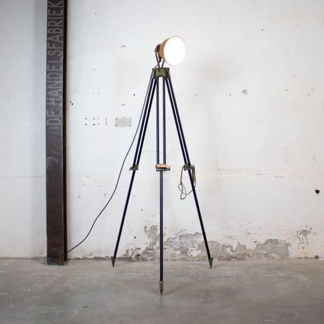 1588145594 02 Vloerlamp 02