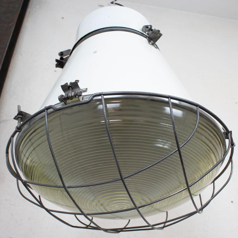 1591192743 04 Witte Fabriekslamp 07