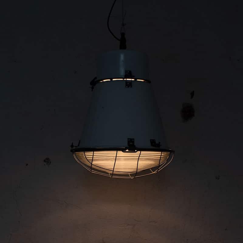 1591259370 01 Witte Fabriekslamp 04