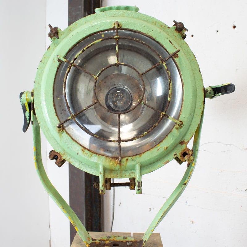 1596011530 111 Scheepslamp Op Hout 10
