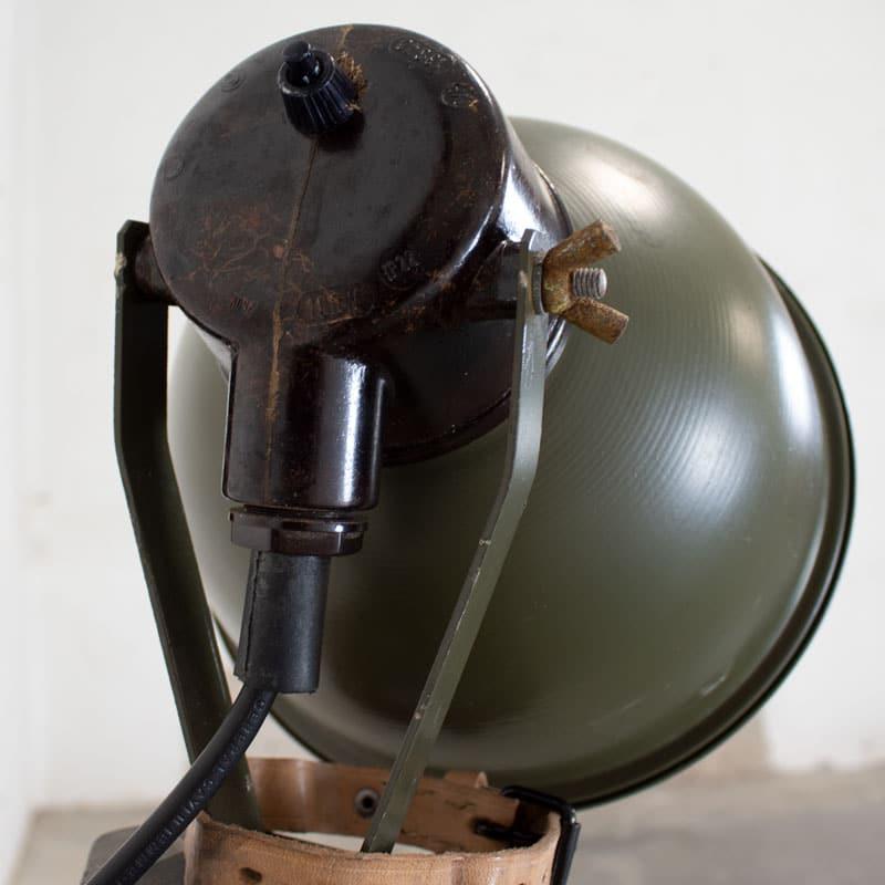 1596022234 122 Legerlamp Op Metalen Statief 05