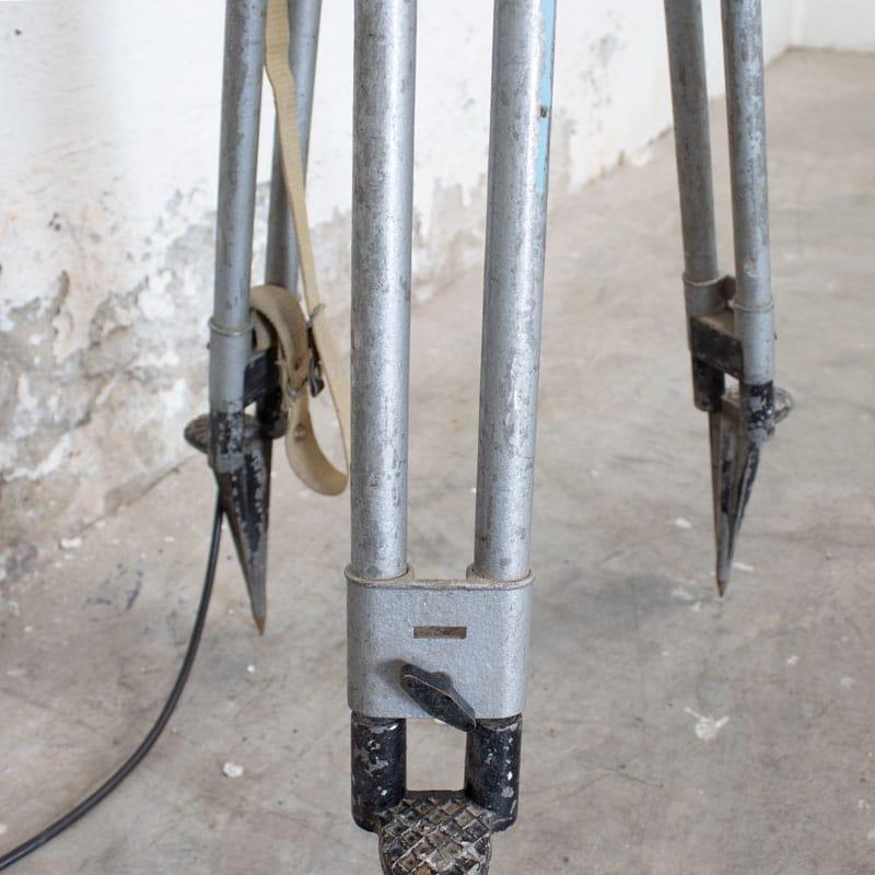 1596022234 122 Legerlamp Op Metalen Statief 09