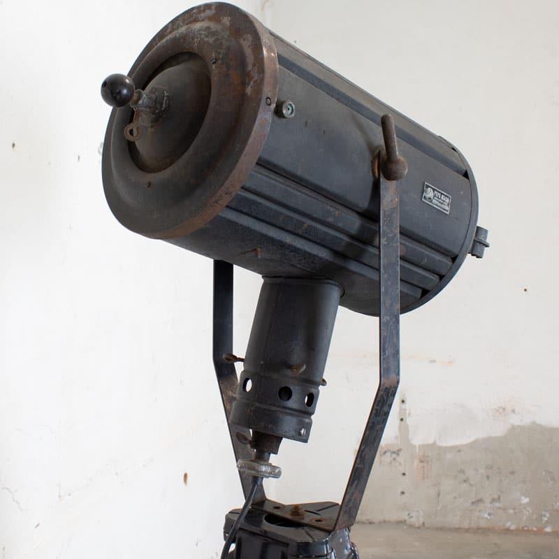 1596100004 114 Tripod Smallere Lamp 06