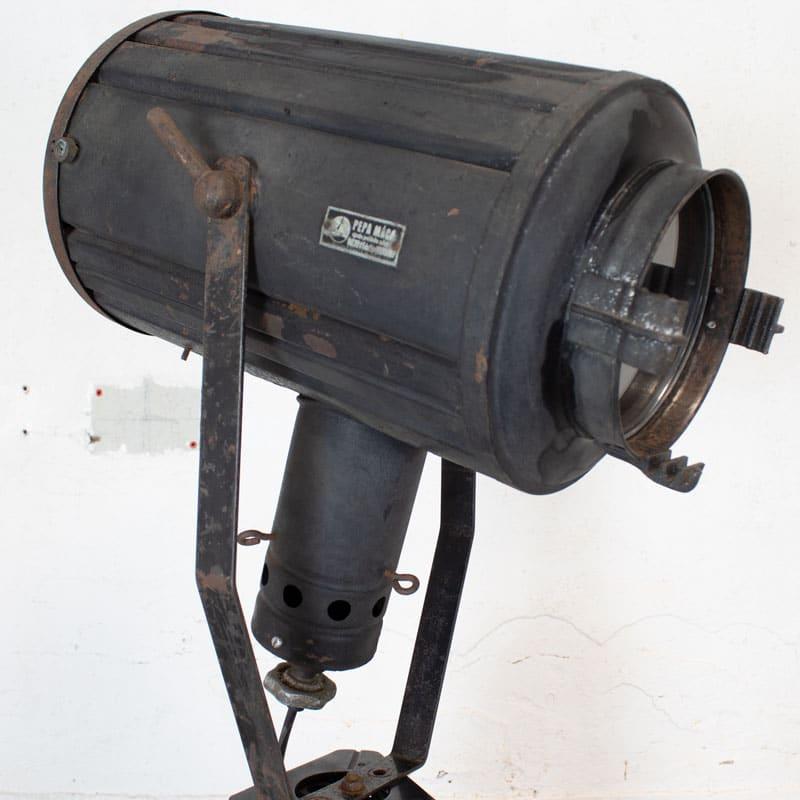 1596100004 114 Tripod Smallere Lamp 08