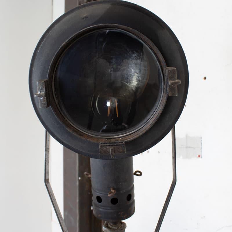 1596100004 114 Tripod Smallere Lamp 09