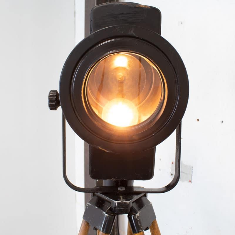 1596109170 125 Tripod Met Spotlamp 07