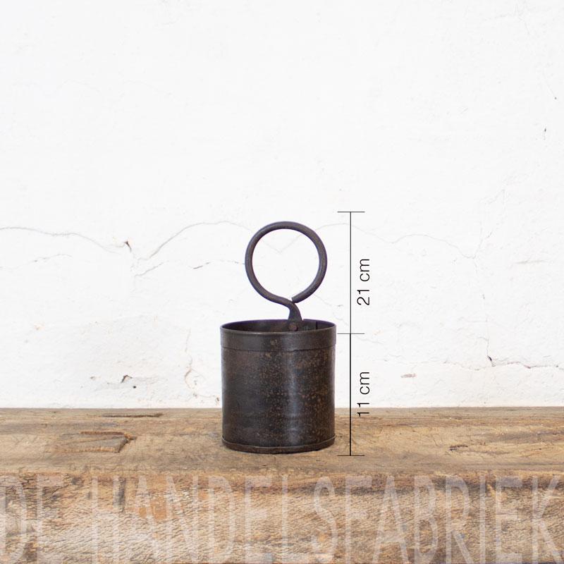 Stoer Metalen Bakje Met Ring