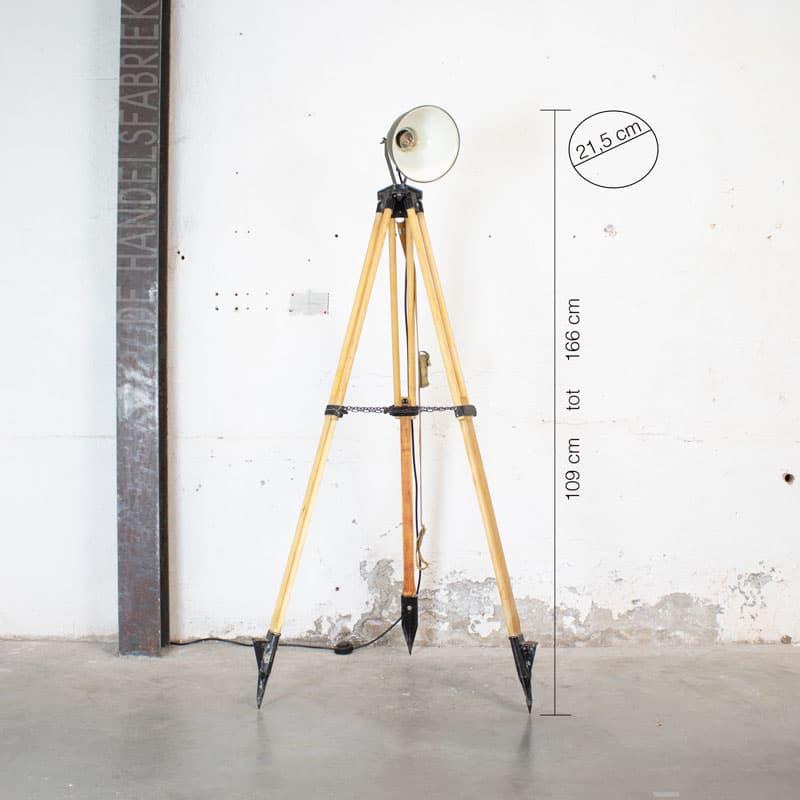 Leger Lamp Op Houten Statief