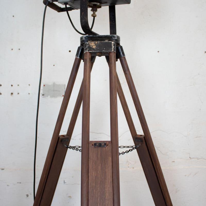 Tripod Met Theaterlamp