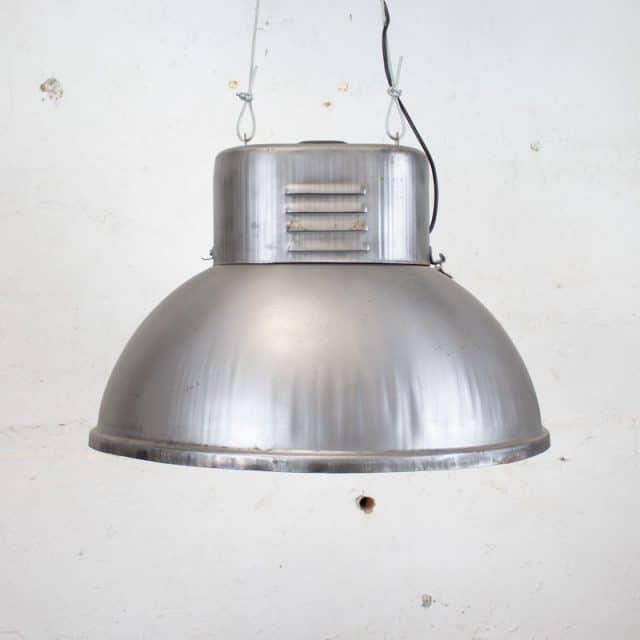 273 Grijze Fabriekslamp 02