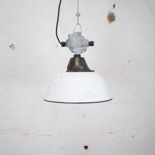 277 Witte Fabriekslamp 02