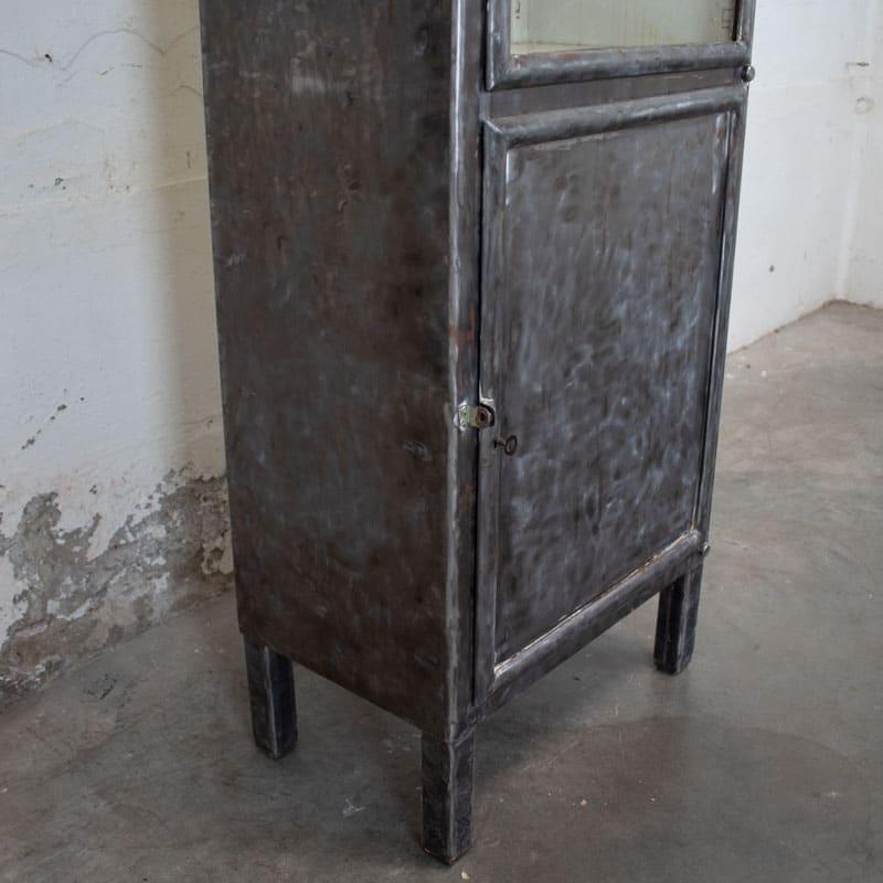 Smalle Vintage Apothekerskast Geborsteld