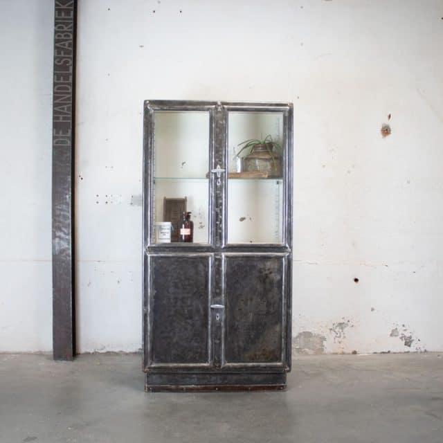 285 Vintage Apothekerskast 04