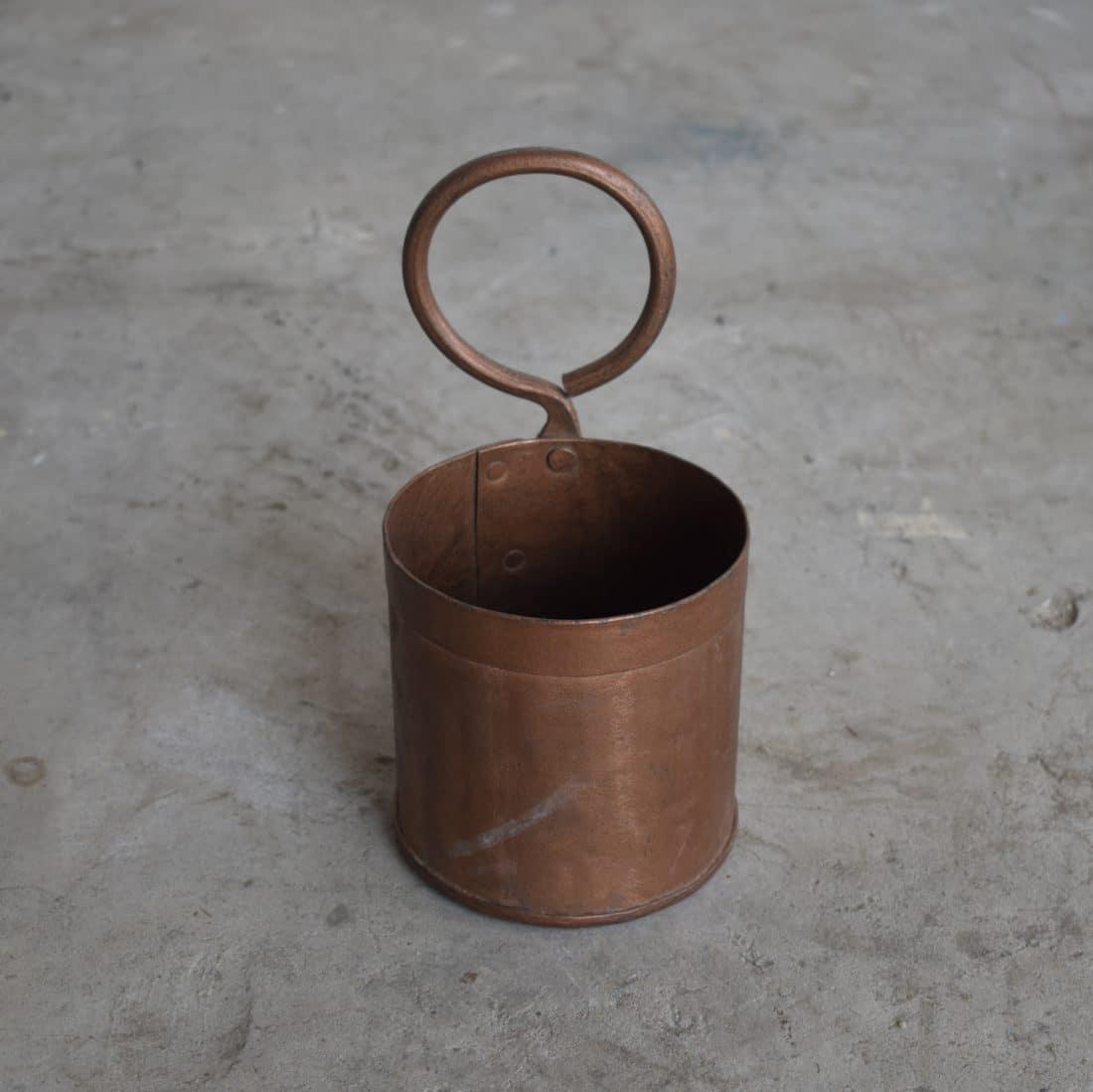 Stoer Metalen Bakje Met Ring Koperkleurig
