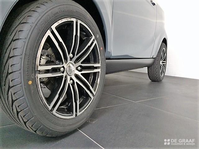 Aixam Ecoupe Premium Emotion 2021 Elektrisch Voertuig Nieuw Titaniumgrijs Metallic