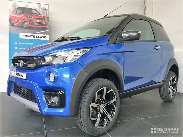 Aixam Crossover Premium Emotion 2021 Brommobiel Nieuw Saffierblauw Metallic