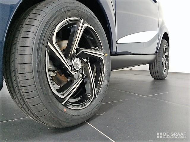 Aixam City Premium Emotion 2021 Brommobiel Nieuw Marineblauw Metallic