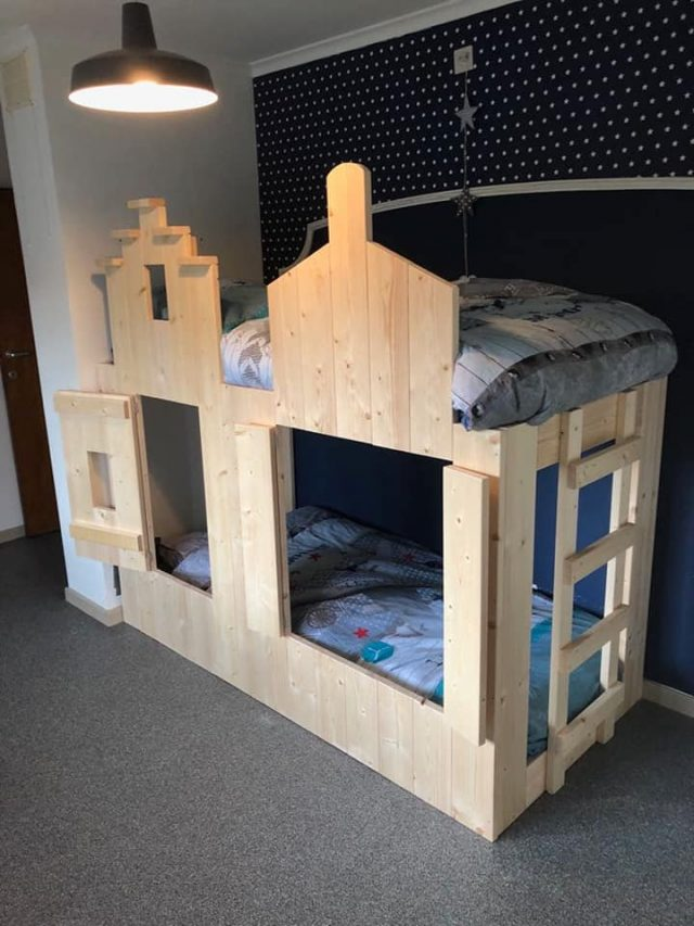 Pakhuis Bed Basis Model