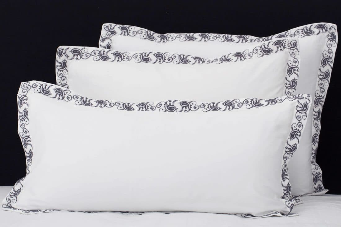"""Set Pillow Covers """"Mix and Match Paisly Charcoal"""""""