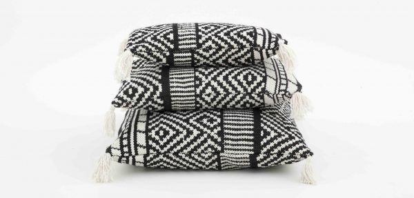 Deco Cushion - Pied de Poulle - White / Black