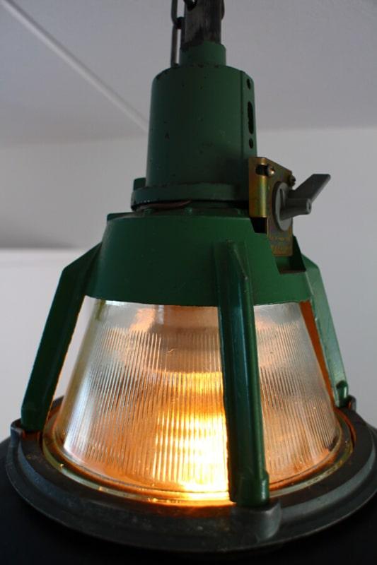 Industriële lampenkap groen