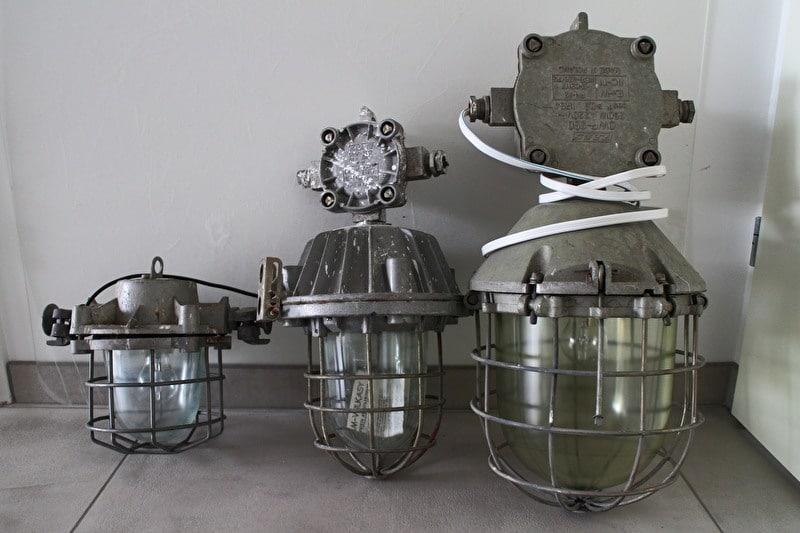 Industrielle Käfiglampen in verschiedenen Ausführungen