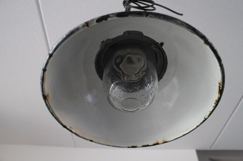 Industriële hanglamp met LED verlichting