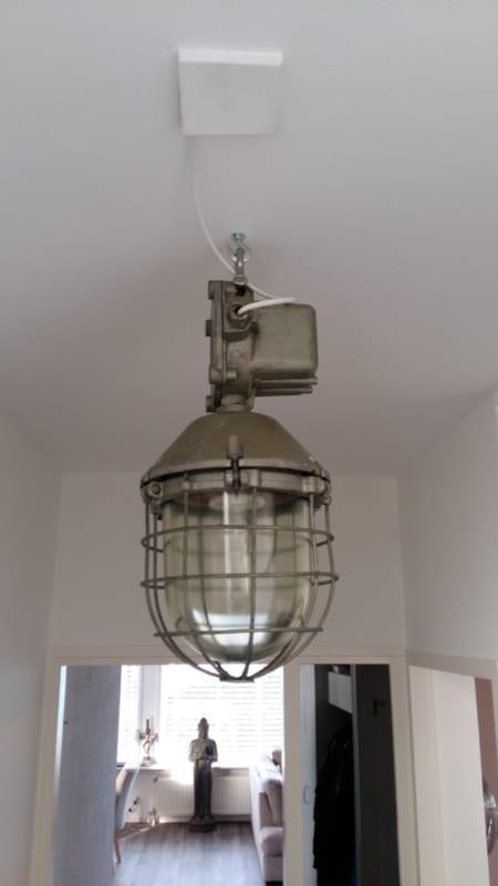 Industriële kooilamp