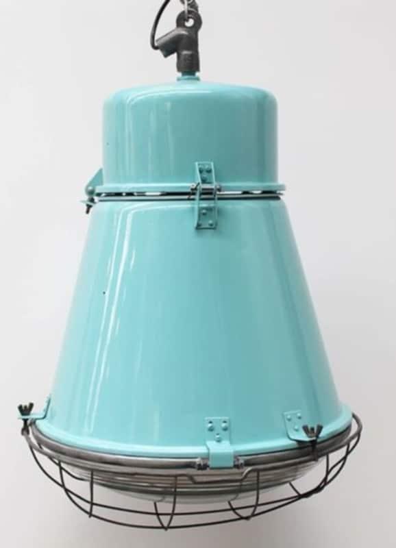 Lichtblauwe industriële kooilamp