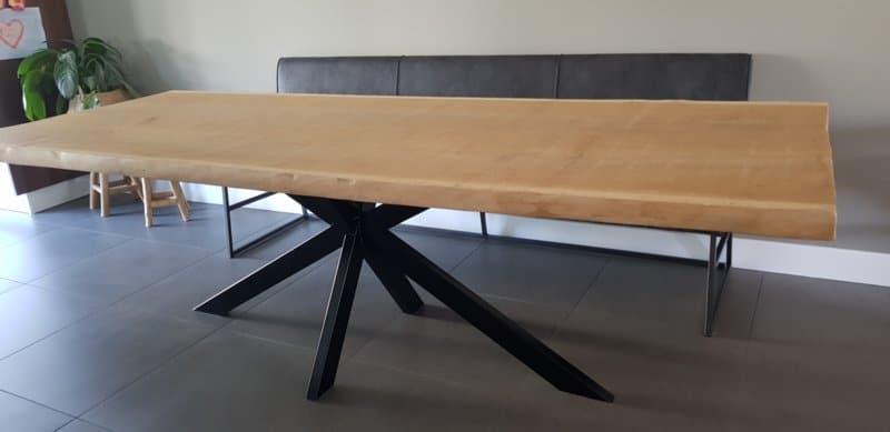 Boomstamtafel Katy vierkant 4,5cm dik met matrix onderstel