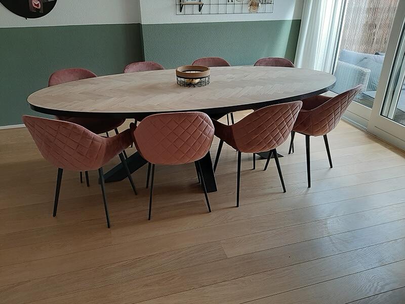 Ovaler Herringbone Eiche Milin Tisch 4,5 cm stark inkl Matrixuntergestell nach Wahl