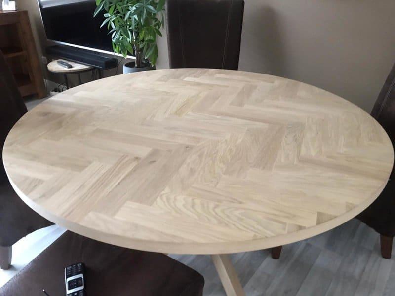 Round herringbone table top Lawica