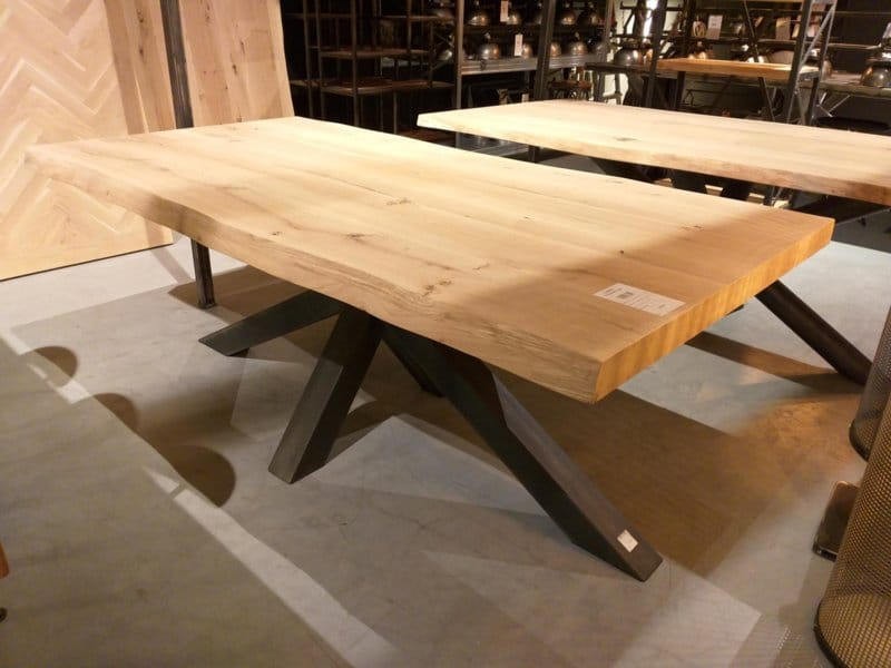 Oak table Rewa square incl matrix base