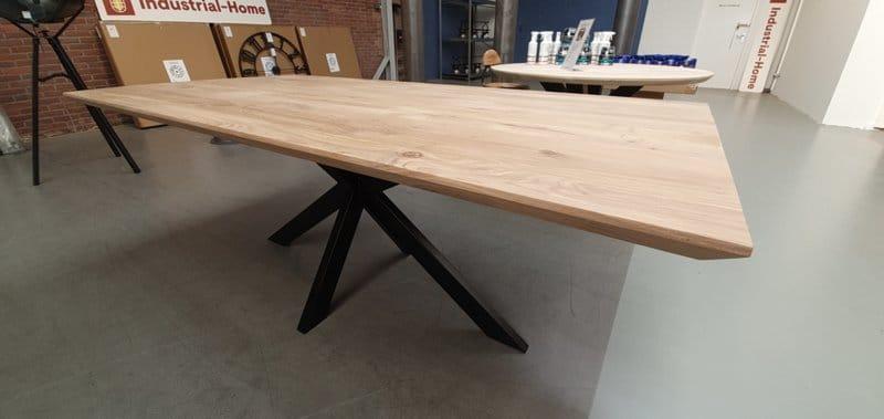 Eiken tafel Kulin vierkant met verjongde rand incl. matrix onderstel